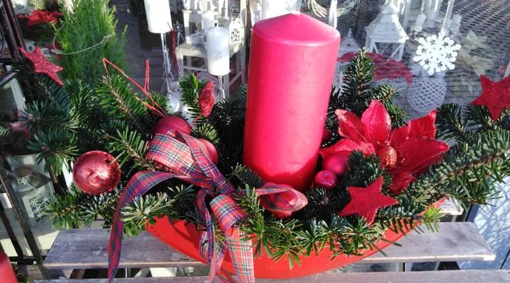 Vánoční dekorace před dům nebo na balkón